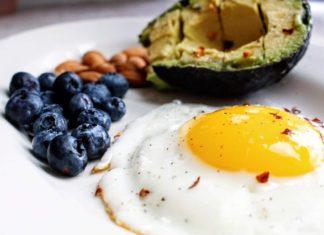 En simpel guide til at lave træning på en keto diæt