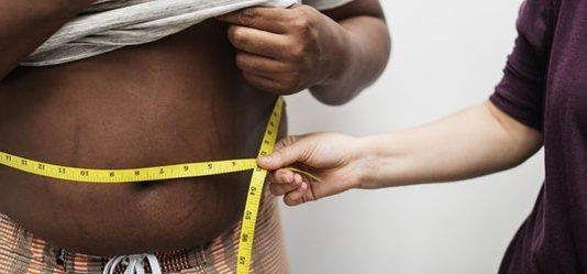 Sådan kommer du af med løs og slap hud efter vægttab